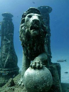Algumas coisas incríveis encontradas no fundo do oceano - Fatos Desconhecidos