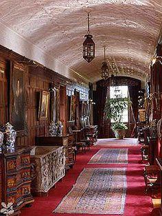 Polesden Lacey Corridor
