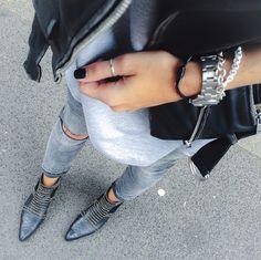 Charlie Boots via @viva_la_wow #aninebinggirls