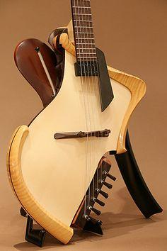 Michihiro Matsuda Guitars[ミチヒロ・マツダギターズ] Matsuda headless arched top acoustic electric guitar アコースティックギター | MIKIGAKKI.COM 三木楽器の店舗在庫通販と店舗情報
