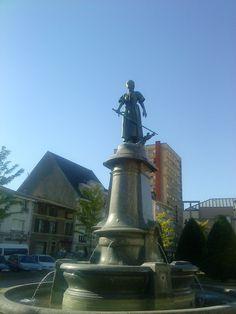 Épinal ~ Vosges : Place Jeanne d'Arc