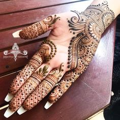 Top Latest Simple and Easy Mehndi Designs 2020 - tat lion - Henna Italia Mehndi Designs Front Hand, Mehndi Designs Finger, Modern Henna Designs, Khafif Mehndi Design, Latest Henna Designs, Simple Arabic Mehndi Designs, Henna Art Designs, Mehndi Designs 2018, Mehndi Designs For Beginners