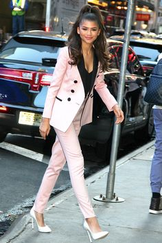 "New Trending Celebrity Looks: Zendaya Coleman Goes Brightly Formal for ""Good Morning America"". If we were being coldly analytical about it, we might be forced to admit that wearing a tuxedo for an early-morning chat show appearance might just be overdoing things a little. Rebuttal:      Because that is just so damn cute and fresh that we're finding it hard to sniff about..."