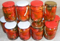Gogosari in otet Romanian Food, Martha Stewart, Salsa, Mason Jars, Stuffed Peppers, Vegetables, Cooking, Recipes, Bedroom
