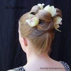 sleek updo with flowers Box Braids Hairstyles, Prom Hairstyles For Long Hair, French Braid Hairstyles, Short Hair Updo, Elegant Hairstyles, Wedding Hairstyles, Short Hair Styles, Teenage Hairstyles, Formal Hairstyles