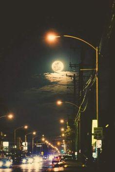 και σκέφτομαι πάλι πως  ταξίδι είναι οι άνθρωποι μα πιο πολύ ταξίδι είναι το πάθος  να μοιραστείς το δρόμο...