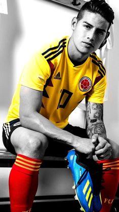 James Rodriguez w Reprezentacji Kolumbii z butami piłkarskimi Adidas Soccer Guys, Football Players, James Rodriguez Colombia, James 10, Equipe Real Madrid, Soccer Motivation, Soccer Skills, National Football Teams, Soccer Quotes