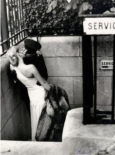 Vogue Francia 1976 por Newton. Helmut Newton, Vintage Photography, Art Photography, Fashion Photography, Romantic Photography, Classic Photography, Artistic Photography, Couple Photography, Black White Photos