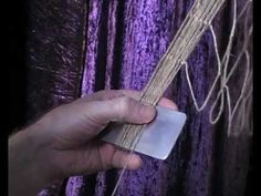 A close up of how to tie the knot that forms the net meshes - this knot is suitable for Hemp / Spun Nylon / Spun Polyester