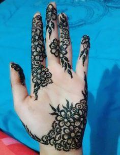 Pinterest: Rosh Mehandhi Designs, Hena Designs, Eid Mehndi Designs, Bridal Henna Designs, Mehndi Designs For Hands, Beautiful Henna Designs, Beautiful Mehndi, Modern Henna, Latest Henna Designs