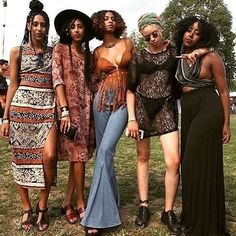 Black Coachella may be over but that doesn't mean we cant be ready for next year . Coachella may be over but that doesn't mean we cant be ready for next year These boho baddies are killing it . Afro Punk Fashion, Fashion Mode, 70s Fashion, Look Fashion, African Fashion, Punk Mode, 70s Mode, Festival Mode, Festival Fashion
