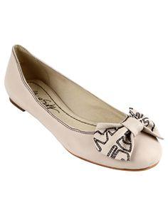 nice flat shoe