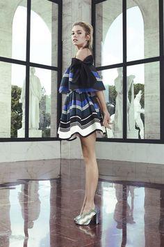 cheap for discount a9c77 fc792 15 fantastiche immagini su abiti a ruota   Beautiful dresses ...