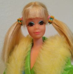 , Barbie's best friend - Mod Barbie & Other Dolls Play Barbie, Barbie And Ken, Pretty Blue Eyes, Pretty In Pink, Doe Eyes, Blue Eyeshadow, Vintage Barbie Dolls, Doll Face, Fashion Dolls
