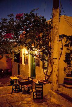 A quiet evening in Santorini