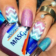 chevron-pattern-nails-glitter-blue-pink-ombre Chevron Pattern Nails to Make Your Next Mani Nail Art Pattern nails Chevron