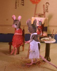 The Artist by Maggie Rudy Felt Mouse, Mini Mouse, Cute Mouse, Needle Felted Animals, Felt Animals, Wet Felting, Needle Felting, Maus Illustration, Polymer Clay Dolls