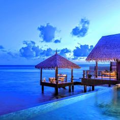The kind of Monday blues you'll actually look forward to! @shangrilamaldives.