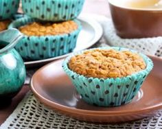 Muffins me taxini Moist Chocolate Chip Muffins, Apple Oatmeal Muffins, Vanille Muffins, Yummy Snacks, Yummy Food, Camping Breakfast, Homemade Muffins, Healthy Muffins, Low Calorie Recipes