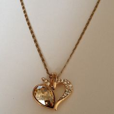 Necklace Lovely 18k gold plated rhinestone Crystal necklace & pendant jewelry.( NEW) No Trades. No Holds. No PayPal. Jewelry Necklaces