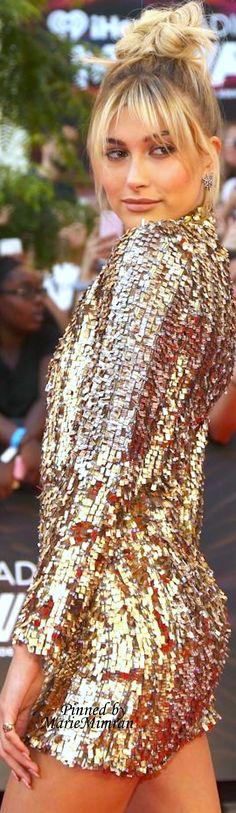 Marie Mimran-hailey-baldwin music awards toronto 16
