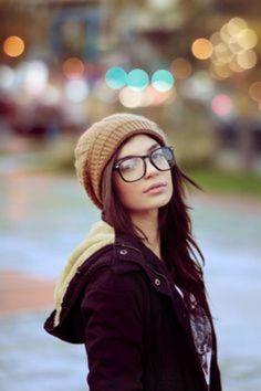 大きめ眼鏡をチョイスして、ゆる可愛く!