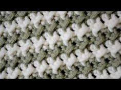 How to crochet the Moss Stitch   Coolorful.com
