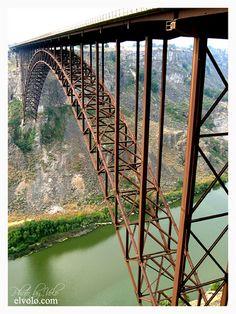 Perrine Bridge - Twin Falls, Idaho  ~ US Highway 93 crosses over Snake River Canyon