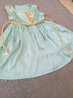 Dresses Kids Girl, Girl Outfits, Baby Girl Fashion, Kids Fashion, Kids Kaftan, Cotton Frocks For Kids, Baby Girl Dress Design, Moroccan Dress, Traditional Dresses