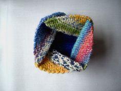 Knit this folding sq