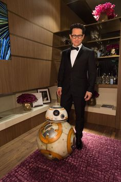 Later in the Green Room, BB-8 and J.J. Abrams snap a photo. #Oscars2016