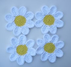 Transcendent Crochet a Solid Granny Square Ideas. Inconceivable Crochet a Solid Granny Square Ideas. Crochet Daisy, Crochet Flower Patterns, Love Crochet, Crochet Gifts, Crochet Motif, Crochet Flowers, Knit Crochet, Crochet Summer, Ravelry Crochet