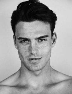 30 Insanely Hot Guys With Freckles Who Will Make You Melt (Photos)