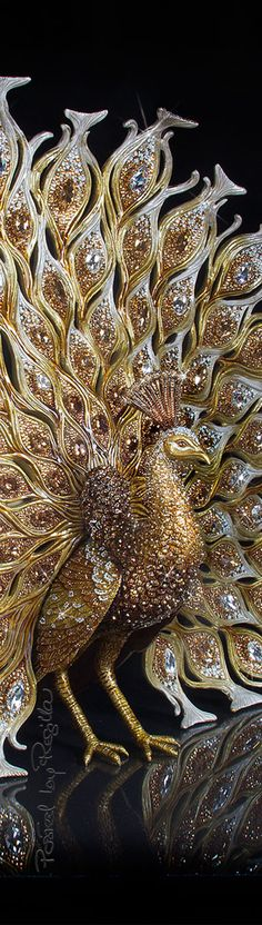 Regilla ⚜ Una Fiorentina in California ~Thanks for visiting my Gold & Black board, please come back anytime ! Peacock Jewelry, Peacock Art, Peacock Feathers, Peacock Room, Peafowl, Gold Aesthetic, Beautiful Birds, Color Splash, Black Gold