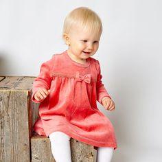 Nalle mekko - Jesper Junior   FAOR Oy Girls Dresses, Flower Girl Dresses, Baby Wearing, Autumn, Wedding Dresses, Fashion, Dresses Of Girls, Bride Dresses, Moda