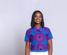 Accentuer votre look d'été avec ce top des cultures africaines très tendance et chic. Peut être porté avec des pantalons, shorts, jupes ou des jeans. CARACTÉRISTIQUES: Crop top avec col Fermeture à glissière au dos TAILLES DISPONIBLES: XS S M S'il vous plaît se référer au tableau de