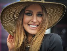 Gorgeous make-up, loving the pop of gold on the inner corner of the eye! Best Dressed Lady Judge Roz Purcell at the Irish National Hunt Festival at Punchestown Just Smile, Nice Dresses, Crushes, Sexy Women, Irish, Hair, Corner, Woman, Makeup