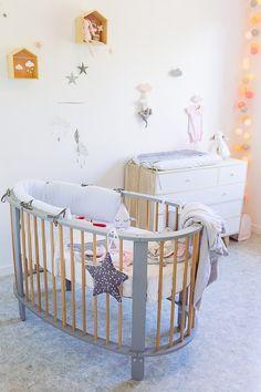 Lit bébé ovale gris