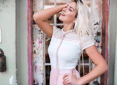 ✨🅓🅔🅣🅐🅛🅗🅔 ✨  #blusa #blouse #blusinha #laço #gravata  Ref. Blusa Silvia.  Cores variadas.
