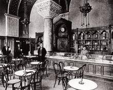 Romanisches Café - Berlin, Schwimmerbecken, um 1920.