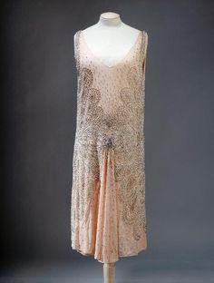 Dress Lucien Lelong, 1928 Musée Galliera de la Musée de la Mode...