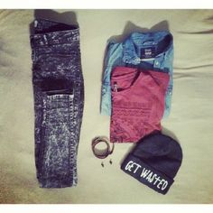 today's outfit #outfit #ootd #jeans #beanie #wasted #gossengold #crosses #getwasted #newyearseve #NYE #fashion #bracelet #washed #like #stupidhashtags #instadaily / http://www.contactchristians.com/?p=6737