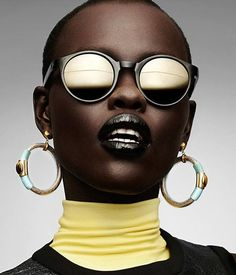 Grace Bol for Gravure Magazine Editorial: Pure Plastic Art magazine Photographed by Manolo Campion. I love her face, i love the glasses, i love the composition. Funky Fashion, Black Women Fashion, Women's Fashion, African Beauty, African Fashion, Black Girl Magic, Black Girls, Moda Funky, Moda Afro