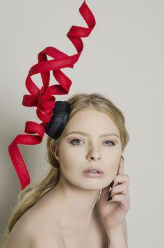 Petunia Fascinator by Carrie Jenkinson Millinery www.carriejenkinson.co.uk #fascinators #hats #headpieces