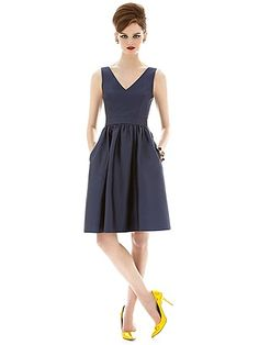 Alfred Sung Style D640 http://www.dessy.com/dresses/bridesmaid/d640/