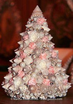 Seashell Christmas tree, by Marina Alexandrova, Moscow.