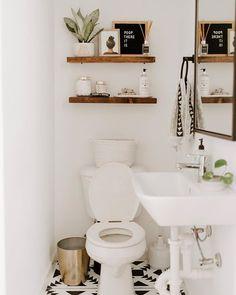 Rustic Bathroom: 55 Ideas and Decorating Designs to Inspire - Home Fashion Trend Boho Bathroom, Bathroom Interior, Small Bathroom, Bathroom Shelves, Bathroom Flooring, Bathroom Inspiration, Home Decor Inspiration, Shelving Design, Home Interior Design