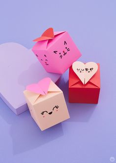 DIY Valentines gift box decorations: Make something sweet even sweeter Valentines Gift Box, Valentine Treats, Felt Tip Markers, Paint Markers, Bedroom Door Decorations, Box Decorations, Cute Office Supplies, Acrylic Paint Pens, I Love Chocolate