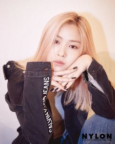 RYUJIN X CALVINKLEIN - - - - - - - itzy midzy itzylia itzyyuna itzyryujin itzyyeji itzychaeryeong twice idolradio kpop bts exo blackpink kard gfriend mamamoo calvinklein nct nctdream Kpop Girl Groups, Korean Girl Groups, Kpop Girls, Estilo Cool, Cute Asian Girls, Grunge Hair, New Girl, South Korean Girls, Girl Crushes