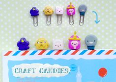 Polymer Clay : Adventure Time paper clips by CraftCandies These are super cute and would be pretty easy I think Cute Polymer Clay, Cute Clay, Fimo Clay, Polymer Clay Charms, Polymer Clay Creations, Biscuit, Clay Keychain, Polymer Project, Craft Packaging